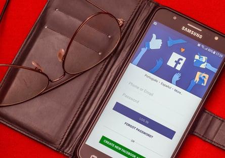 Usuários do Facebook que publicarem fake news poderão sumir do feed