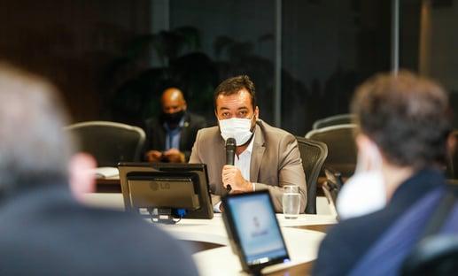 CPI vai chamar Claudio de Castro, aliado de Flávio, para explicar envolvimento no esquema Witzel