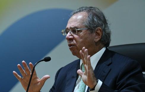 Paulo Guedes defende redução de PIS e Cofins caso economia cresça
