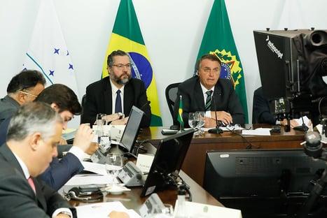 Em cúpula do Mercosul, Bolsonaro fala em salvar vidas e proteger economias