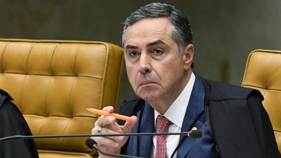 O senhor Barroso não pode baixar a crista