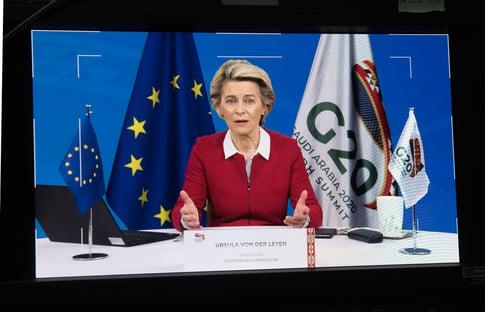 União Europeia promete doar 100 milhões de doses para países pobres