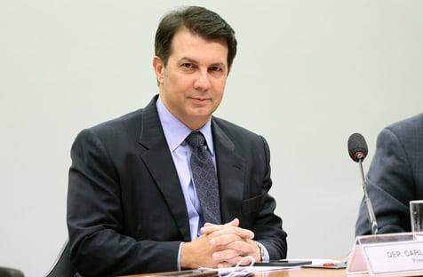 Após reviravolta, relator mantém privilégios de juízes e promotores na reforma administrativa