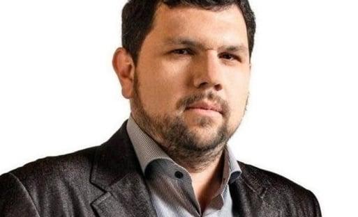 Alexandre de Moraes mantém blogueiro bolsonarista preso