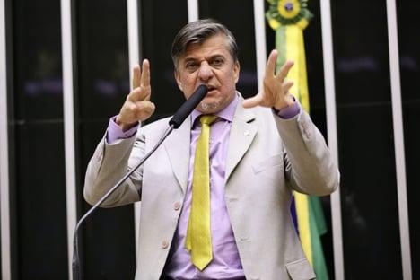 Seguindo decisão do TSE, Câmara cassa mandato de Boca Aberta