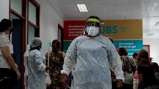 Covid: Brasil registra 1.080 mortes em 24 horas, diz consórcio