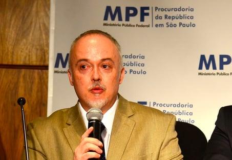 Carlos Fernando Lima: Ou o Brasil mata a corrupção, ou a corrupção mata o Brasil