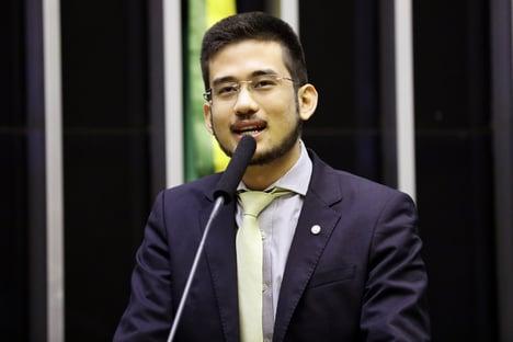 Kim Kataguiri diz que só tontos defendem Bolsonaro de graça