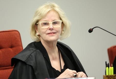 """Em meio à crise institucional, Rosa Weber pede """"fé no regime democrático"""""""
