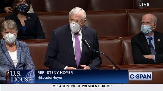 Líder democrata cita filha de Dick Cheney: Trump convocou e reuniu a turba