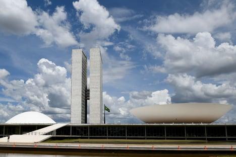 Deputado do MDB defende plebiscito sobre parlamentarismo no Brasil