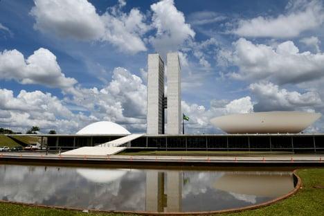 Dinheiro público para siglas pode chegar a R$ 7 bi em 2022, diz jornal