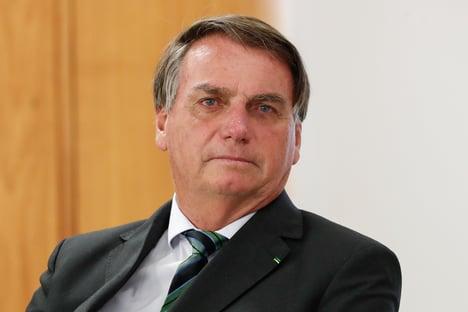 """""""Bolsonaro vê reeleição subir gradativamente no telhado"""""""
