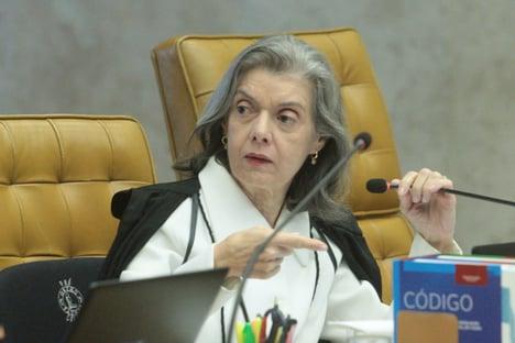 Cármen Lúcia: STF não se verga e não se fecha