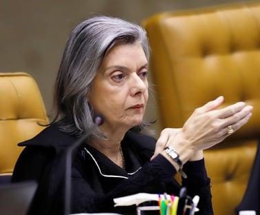Cármen Lúcia encaminha a Augusto Aras petição sobre uso indevido da TV Brasil por Bolsonaro