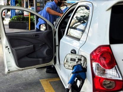 Em 12 meses, gasolina sobe 39,6% e botijão de gás 34,6%