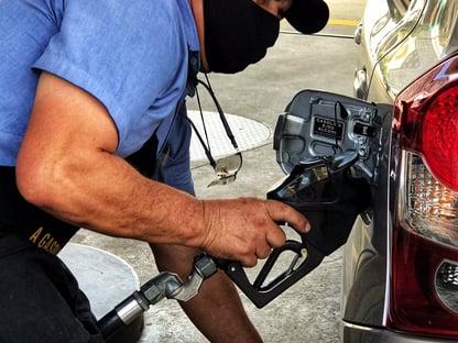Urgente: em novo aumento, preços da gasolina e do botijão de gás subirão mais de 7%