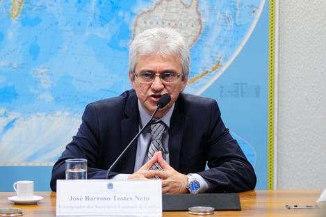 Secretário da Receita se reuniu com Flávio, fora da agenda, na casa do senador