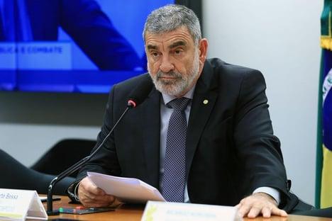 Inimigo de Fraga assume vaga de deputada que virou ministra de Bolsonaro
