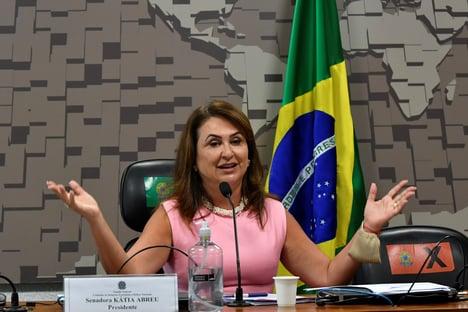 """Kátia Abreu diz que saída de Salles do Meio Ambiente seria """"uma boa notícia"""""""