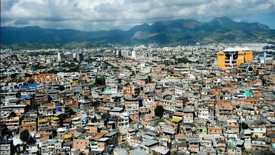 Total de favelas mais que dobra em dez anos