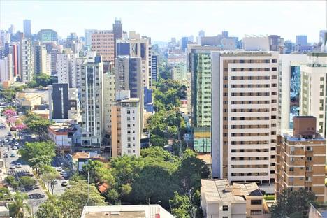 Belo Horizonte segue Saúde e suspende vacinação de adolescentes sem comorbidades