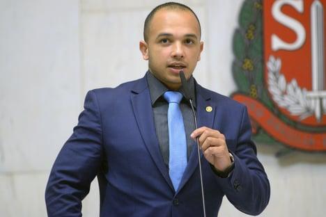 Douglas Garcia é condenado pela 6ª vez a pagar indenização por dossiê de antifascistas