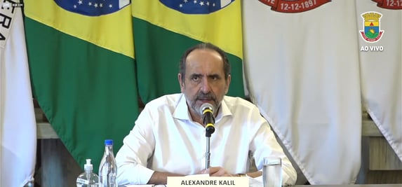 Kalil anuncia novas restrições em BH; restaurantes só poderão fazer delivery