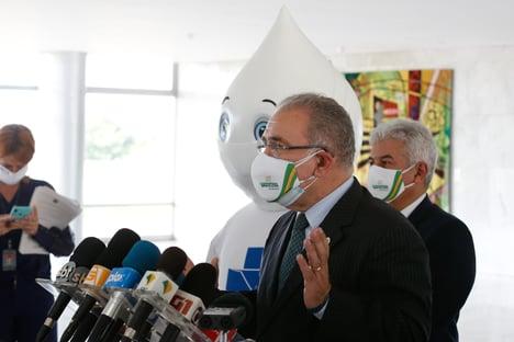 Fica com essa coisa de contar doses de vacina, diz Marcelo Queiroga, sobre atrasos na vacinação