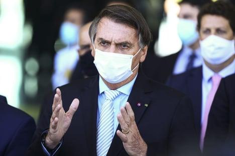 Oposição explora mudança de postura de Bolsonaro sobre Eletrobras