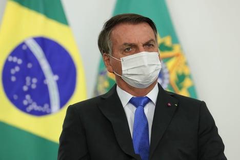 """Bolsonaro acusa Barroso de """"jogadinha casada"""" com a """"bancada da esquerda"""" no Senado"""