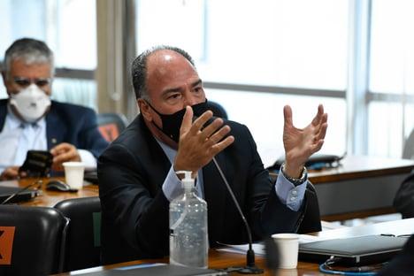 Governo Bolsonaro tem problemas para combinar narrativa no caso da Covaxin