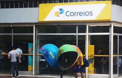 Oposição tenta barrar urgência da privatização dos Correios
