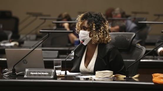 9 x 0 – Deputada Dani Monteiro vota pelo impeachment de Witzel