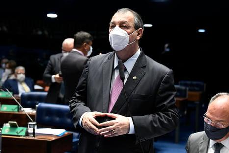 """""""Carnaval não começou dentro da CPI"""", diz Omar Aziz, após críticas de Bolsonaro"""