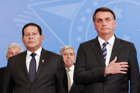 """Bolsonaro diz que Mourão """"não tem atrapalhado em absolutamente nada"""""""