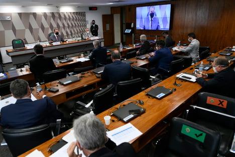Senadores criticam Polícia Federal por abertura de inquérito contra CPI da Covid; assista