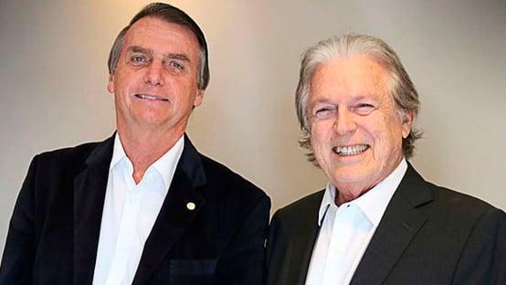 """Bolsonaro está enrolando todo mundo, mas, no final, voltará para o PSL"""