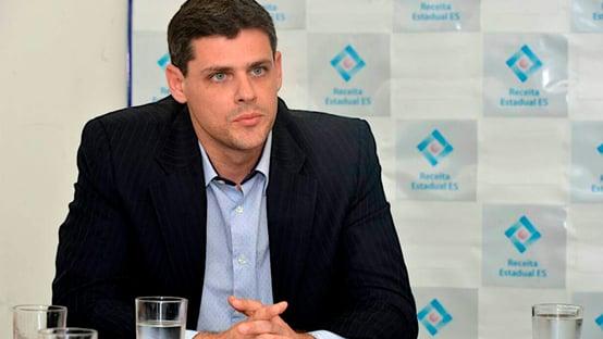 Aumento do IOF bancará Auxílio Brasil de R$ 300 em 2021, diz Funchal