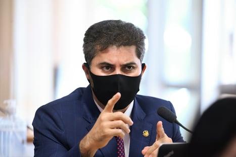 Relator rebate críticas a MP que privatiza Eletrobras