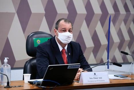 Bolsonaro, perca seu tempo em salvar vidas: compre vacina, diz Omar Aziz