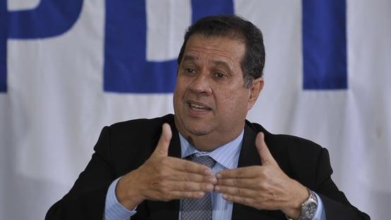 """""""Vi a face da ignorância"""", diz presidente do PDT, sobre manifestações pró-governo"""