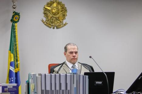 Toffoli pede vista e julgamento sobre participação sindical em demissão em massa é suspenso