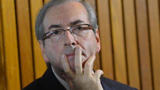 Após oferecer ajuda a Lula, Maia é chamado de oportunista por Cunha