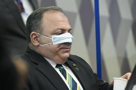 Bolsonaro torce pela prisão de Pazuello