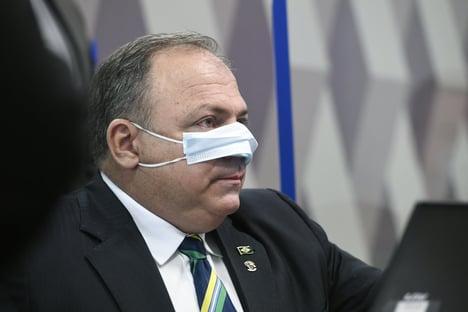 Itamaraty alertou para riscos políticos de não aderir ao Covax Facility