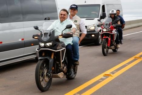 Desista, Bolsonaro