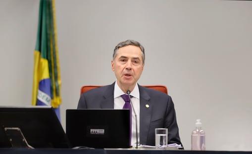 """Sem citar Bolsonaro, Barroso fala em """"perigos do populismo"""" e """"erosão democrática"""""""