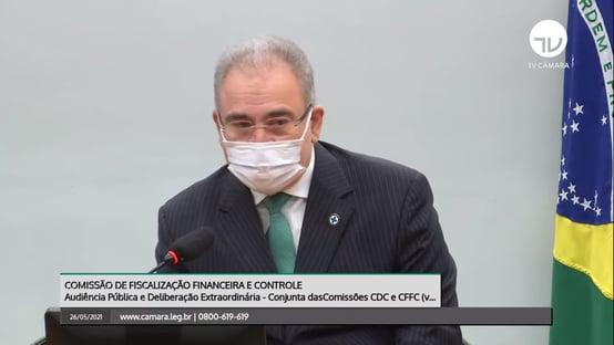 Queiroga: Bolsonaro assina semana que vem acordo com AstraZeneca para Fiocruz produzir IFA