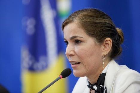 Capitã cloroquina quer impedir senadores de acessarem seus dados